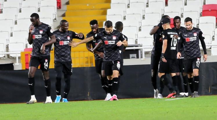 DG Sivasspor uzatmalarda turladı