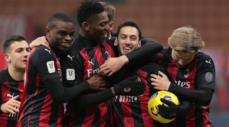 Hakan penaltıdan attı, Milan kupada turladı