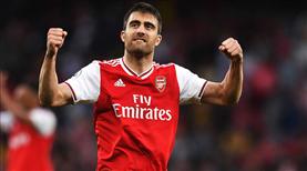 Sokratis, Arsenal'den ayrıldı