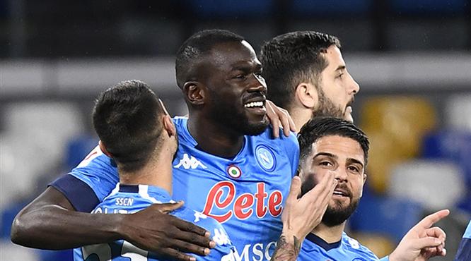 Son yarı finalist Napoli oldu