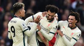 Liverpool, ManU'yu deplasmanda parçaladı! Tarihi skor, yeni rekorlar...