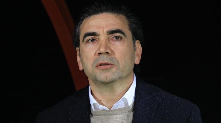 Osman Özköylü, Altay ile ilk sınavında