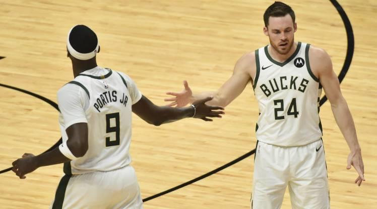NBA play-off'larında tur atlayan ilk takım Bucks
