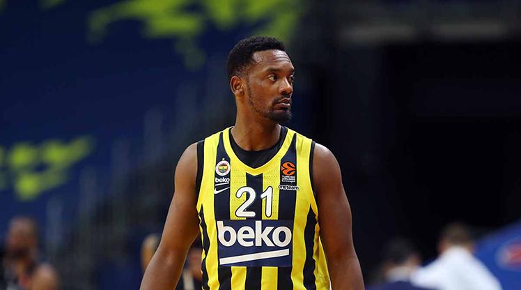 Dyshawn Pierre 3 yıl daha Fenerbahçe Beko'da