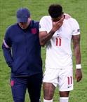 Penaltı kaçıran futbolculara ırkçı saldırı