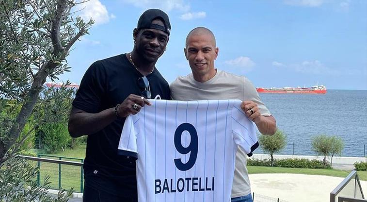 Balotelli sağlık kontrollerinden geçti