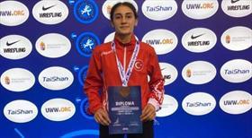 Dünya Yıldızlar Güreş Şampiyonası'nda madalya yağdı