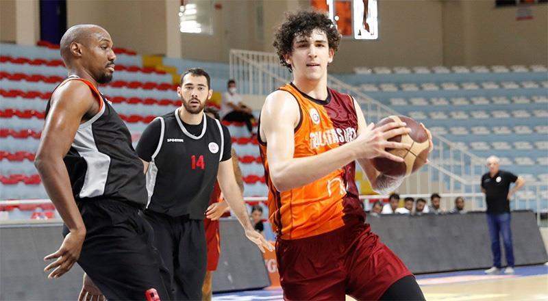 Galatasaray Nef'e kupa morali