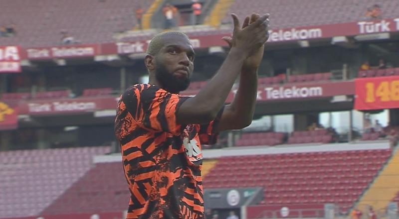 Galatasaray tribünlerinden Babel'e sert tepki
